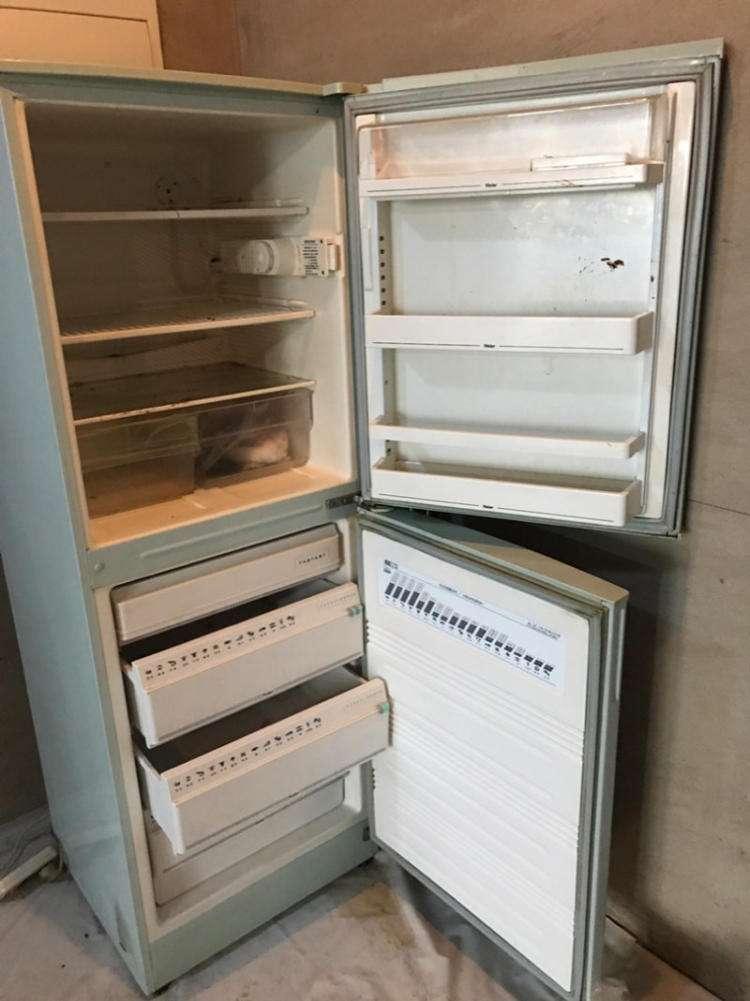 废旧冰箱能当柜子用